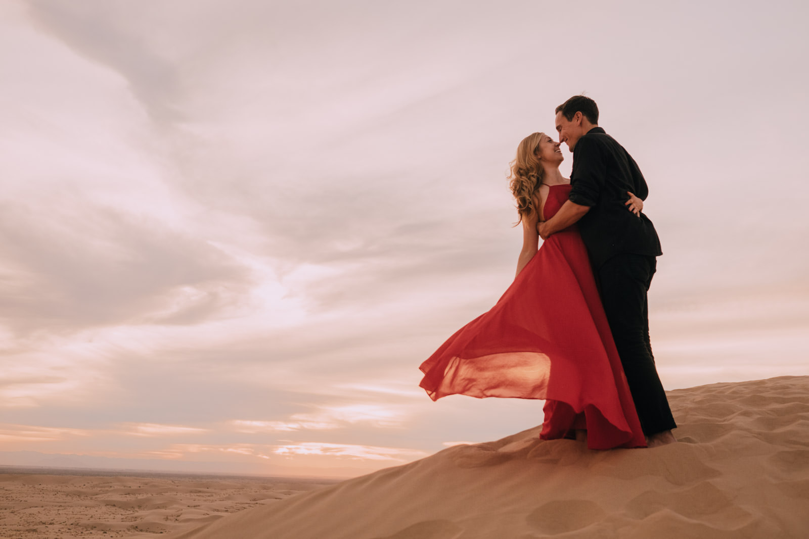 khoa photography glamis sand dune engagement