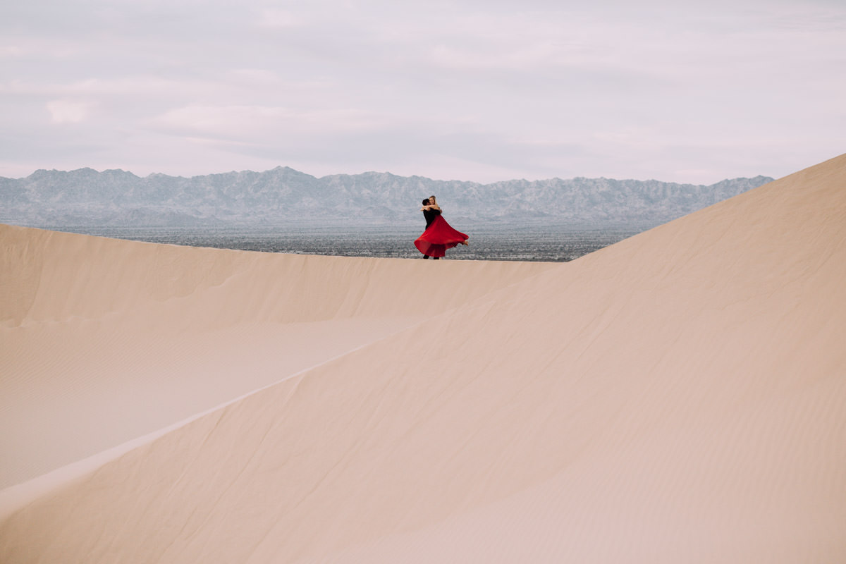 San Diego top 7 amazing engagement session locations glamis imperial sand dunes engagement swinging