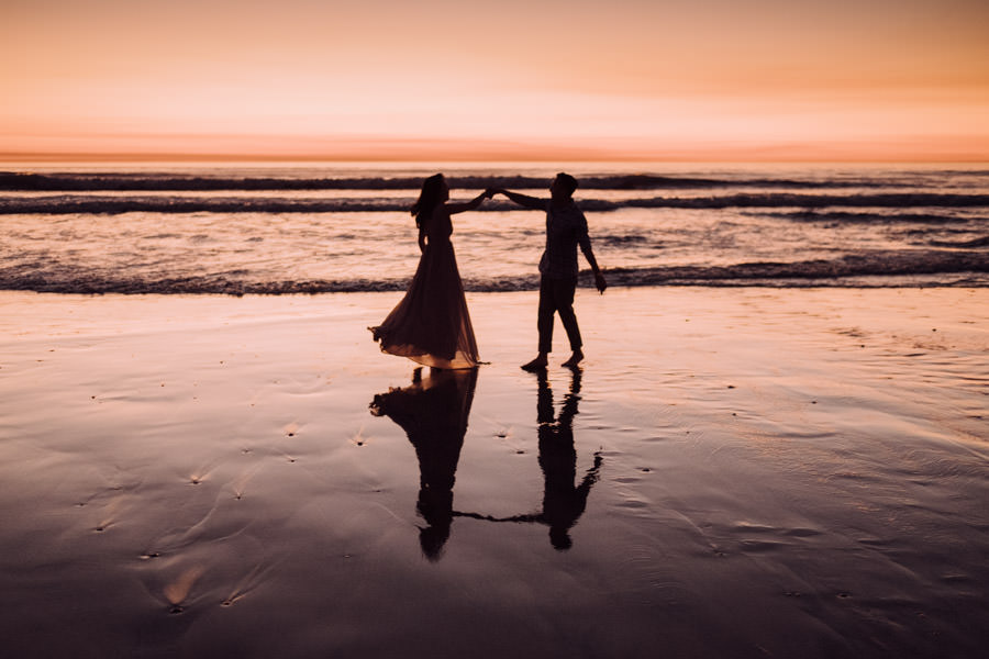San Diego top 7 amazing engagement session locations torrey pines engagement dancing couple