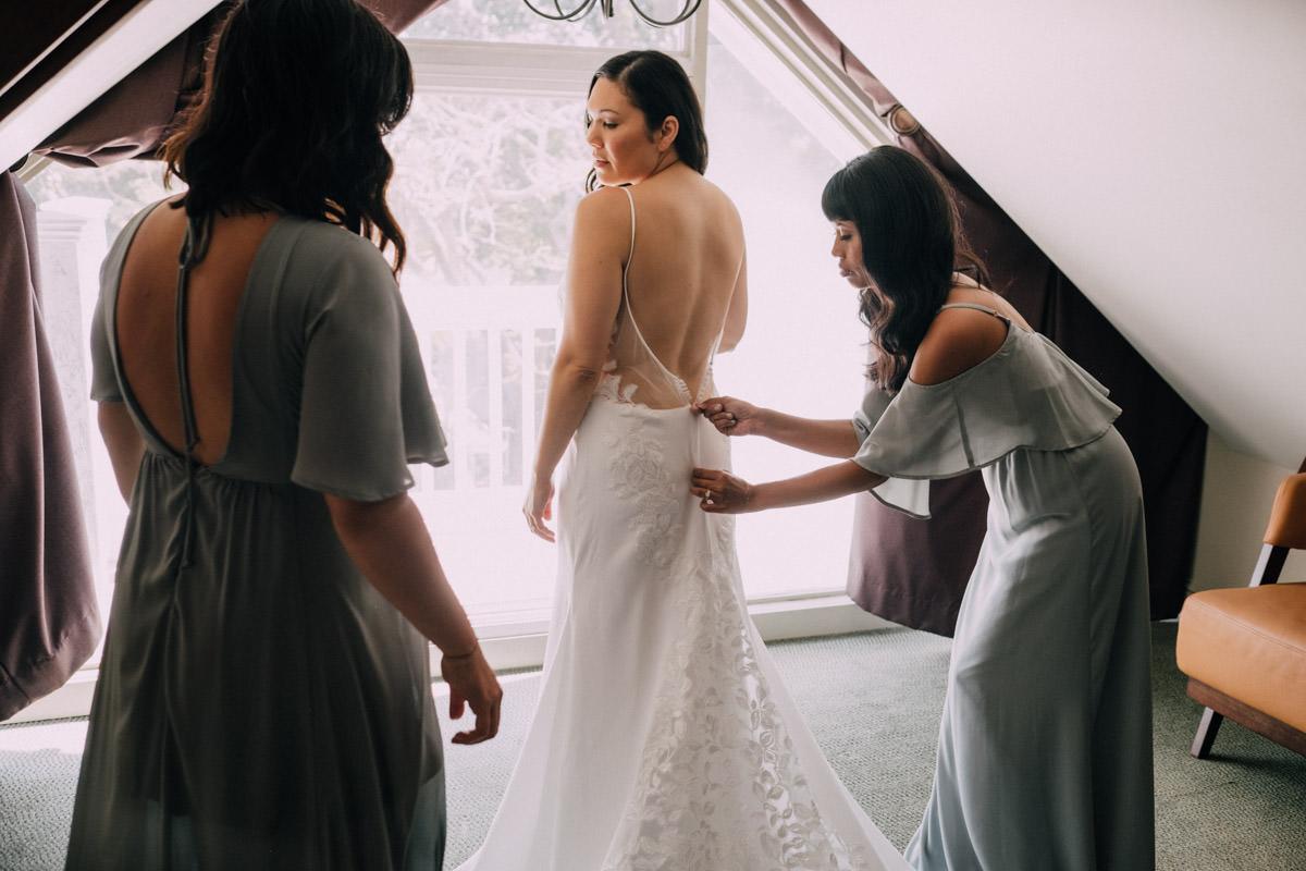 bride getting ready at hemingway home wedding key west florida 21