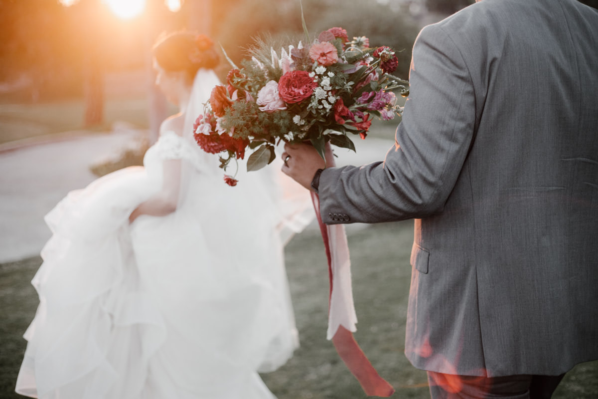 6 tips for getting gorgeous wedding photos - plan around the sun 5