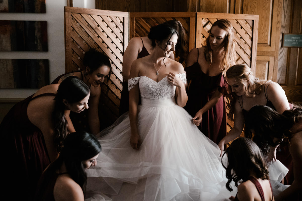 6 tips for getting gorgeous wedding photos - getting ready near a window 1
