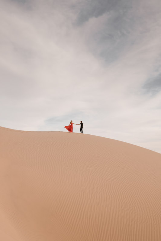 glamis sand dunes engagement session minimalism