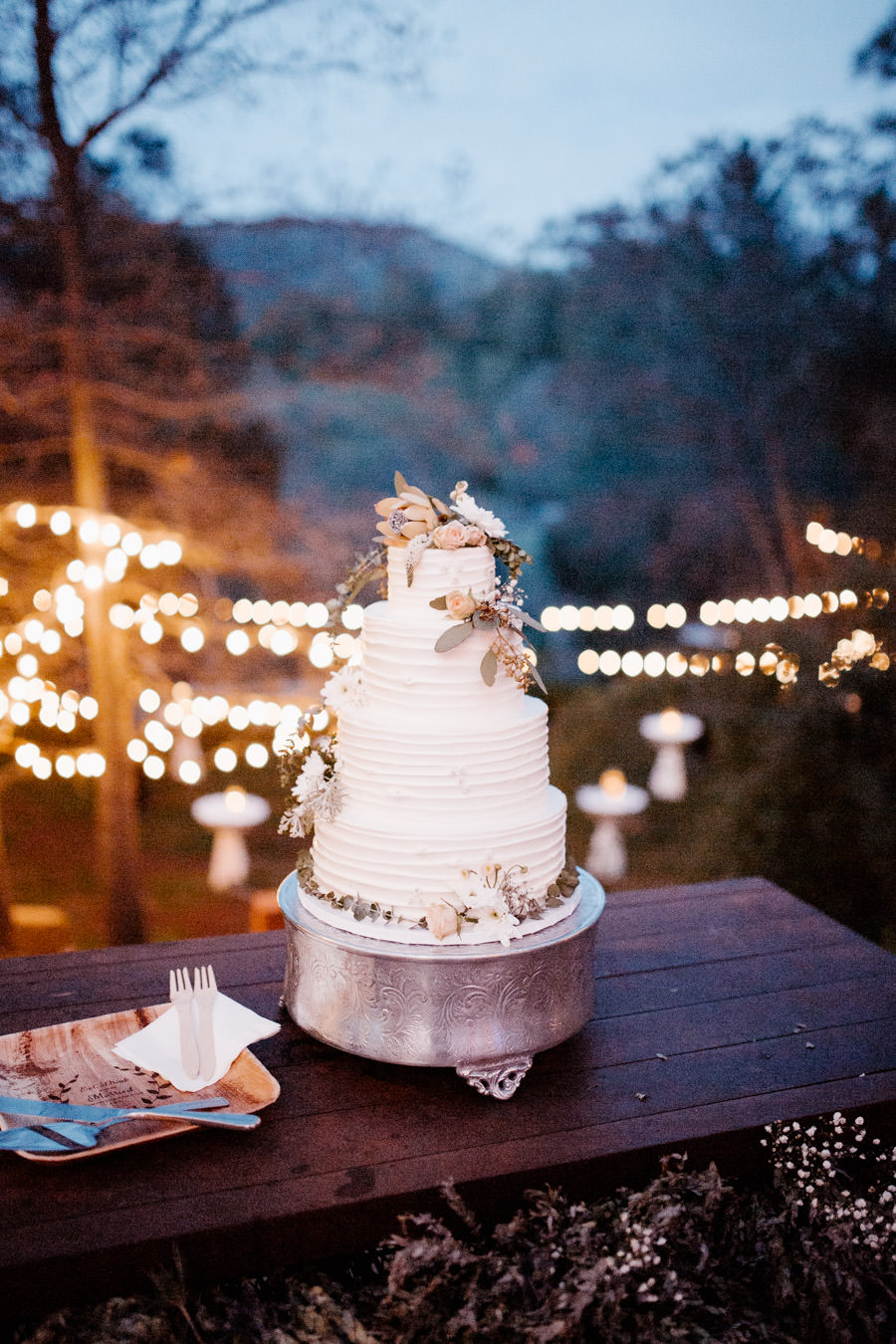 wedding cake looking beautiful and delicious