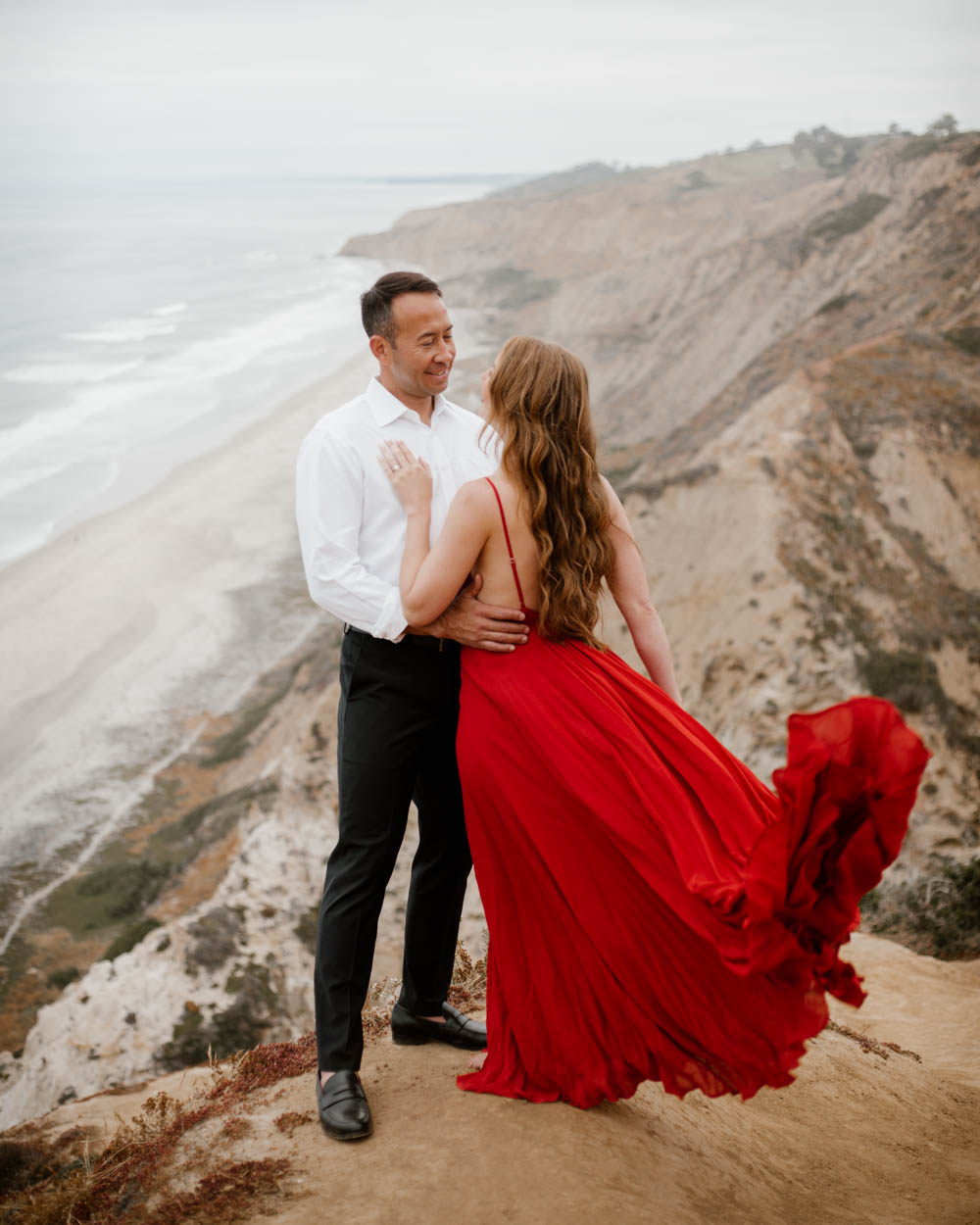 California top 33 epic engagement photography locations blacks beach la jolla flipping dress
