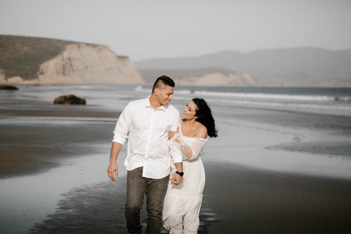 point reyes engagement session a walk on the beach